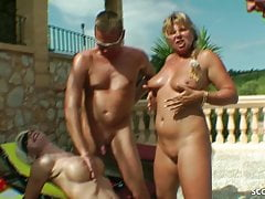 REAL GROUP SEX OF GERMAN MILFs with Guys at Pool in Holiday