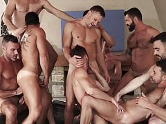 super hot muscle hunks orgy