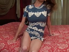Hot modern mom fucks her hungry cunt