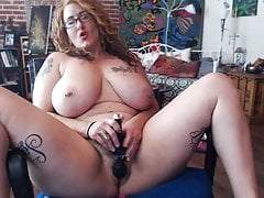 tattooed alt busty milf playing with herself and squirting