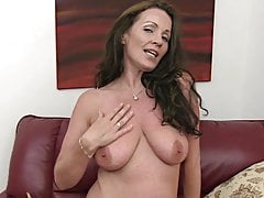 mature Marlyn masturbates under dirty talk