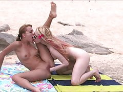 Photoshoot two lustful girlfriends on the beach